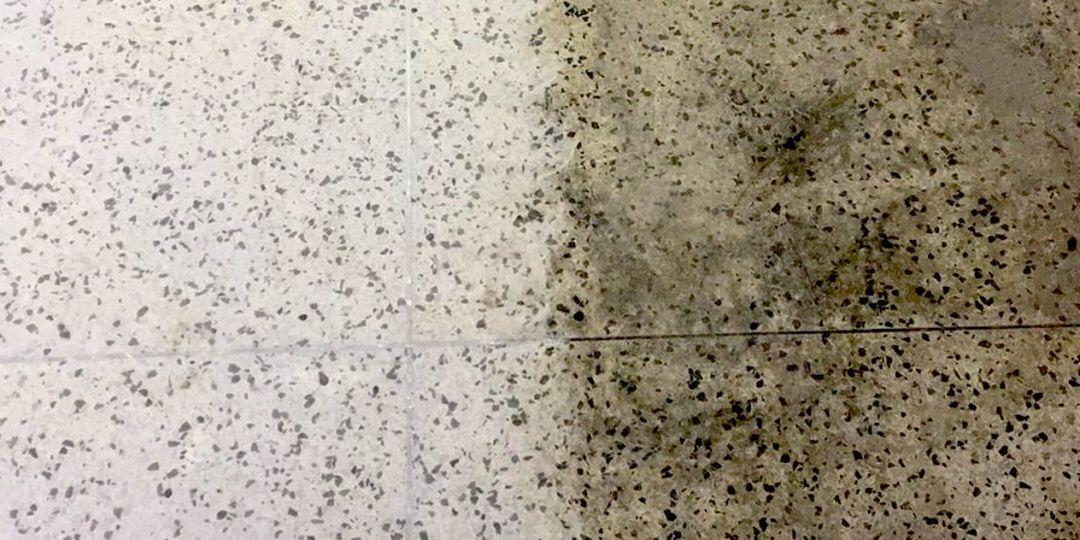 Broušení teraco dlažby