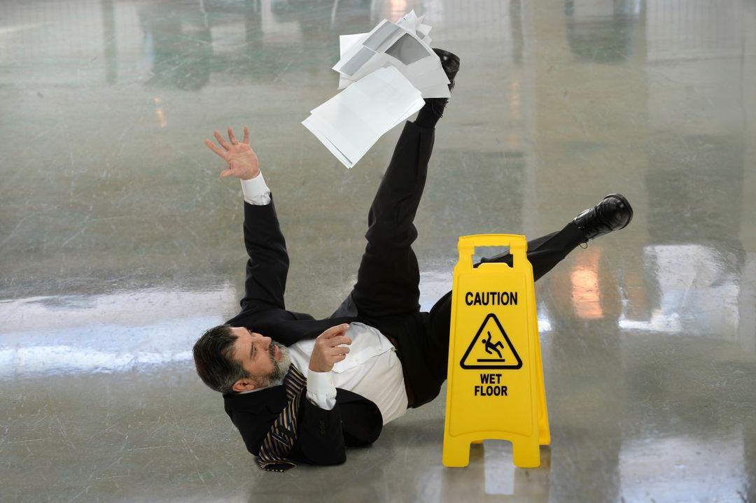 Protiskluz podlah