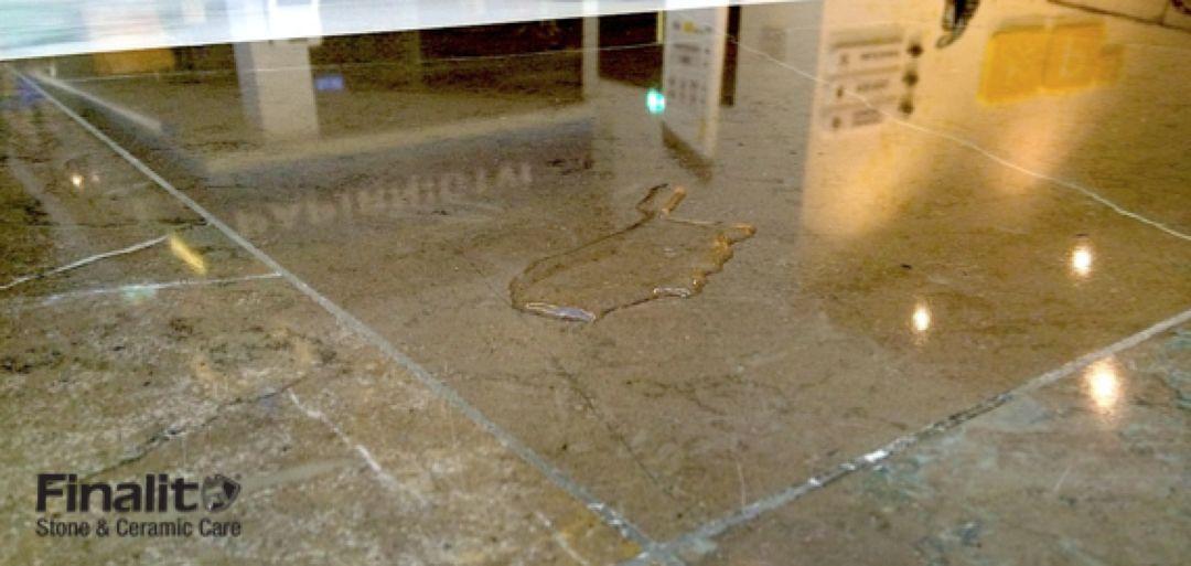Údržba kamenných podlah